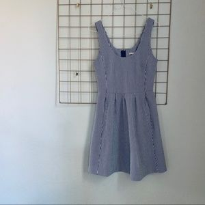 BANANA REPUBLIC blue and white pinstripe dress 10